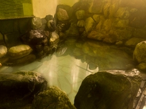 【中浴場】岩風呂