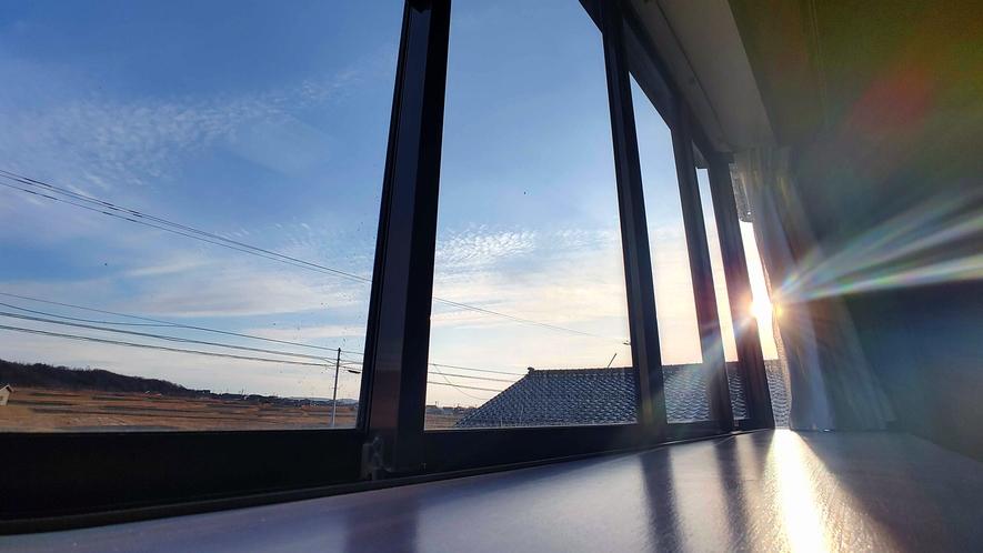 和室10畳_天気のいい日には夕日がキレイに見えます!