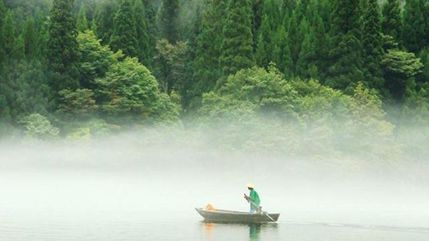 *【霧幻峡】只見川にかかる川霧は、本当に幻想的。当館からの眺めは絶景です!