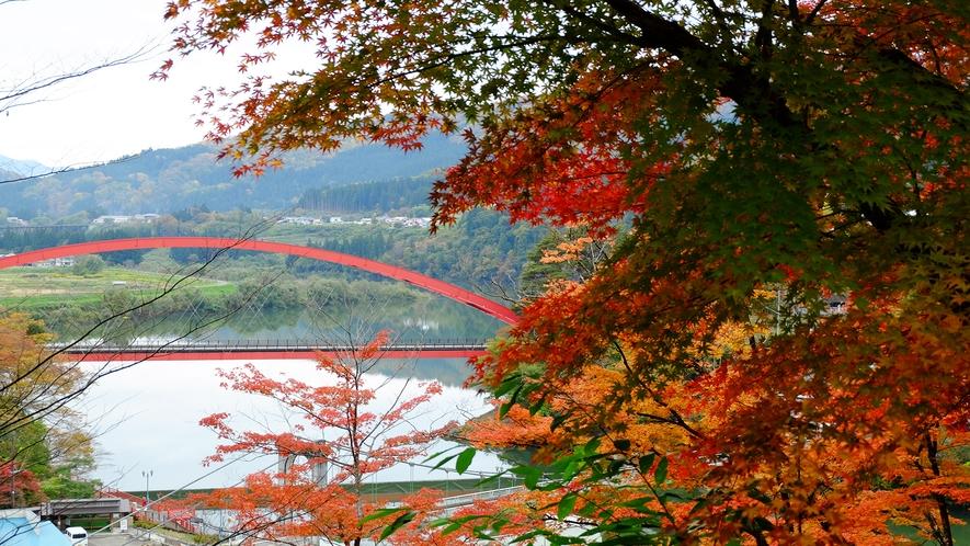 紅葉シーズンの絶景