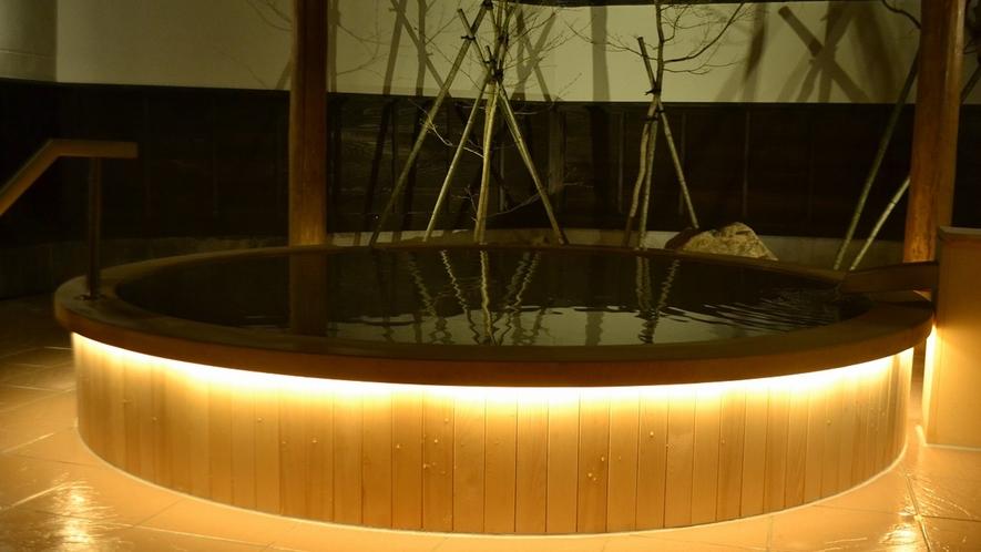 *露天風呂/満天の星空を眺めながらの湯浴をお愉しみください。
