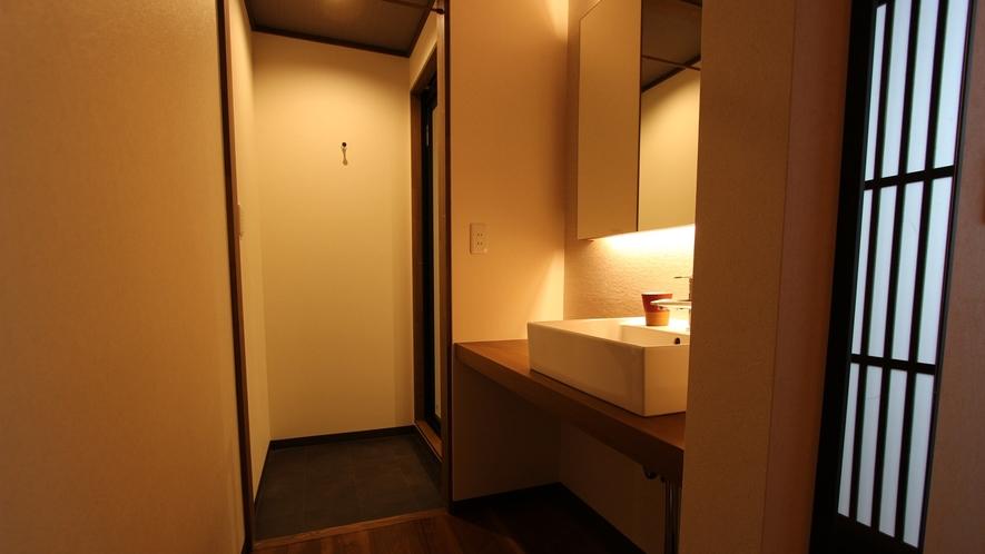 *川沿い洋室ツイン(洗面台) <令和2年4月改装>客室設備も最新のものへリニューアル