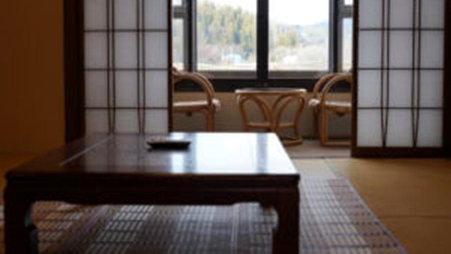 *川沿い和室10畳トイレ付(一例)畳の香りがほのかに薫るお部屋でお寛ぎ下さい。