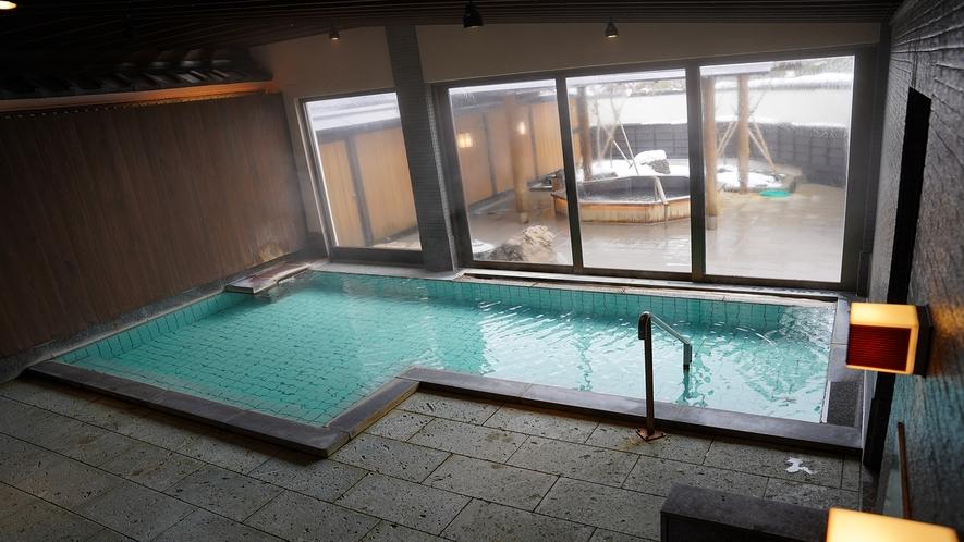 大浴場/会津柳津の福満虚空藏尊圓藏寺から湧き出る源泉は、 肌に馴染みやすく湯冷めしにくい効能を持ち