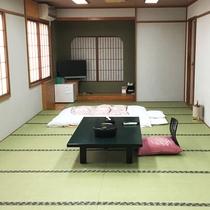 *【部屋/和室18畳】畳の上で足を伸ばして、お過ごしいただけます。