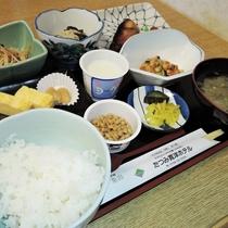 *【朝食全体例】清々しい朝の空気の中で、美味しいお食事を食べればスッキリお目覚め♪