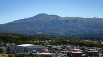 *【周辺観光】日本百景に選ばれ秋田富士とも呼ばれる鳥海山。