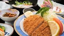 *【ビジネス夕食一例】お肉料理がメインの夕食です。