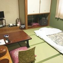 *【部屋/和室8畳】畳の上で足を伸ばして、お過ごしいただけます。