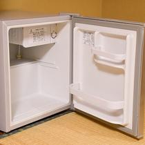部屋設備 -冷蔵庫