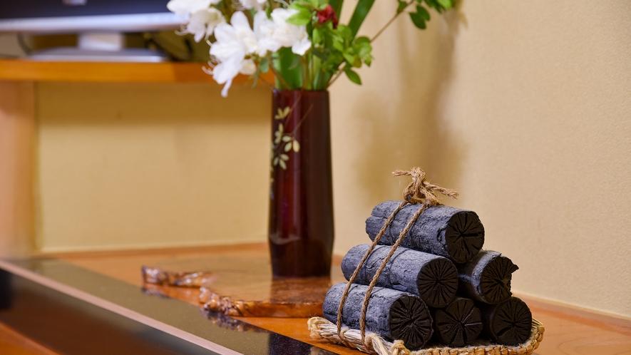 *部屋設備 -日本一の炭の里より 飾り炭