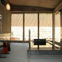 【特別室】ほっと休まる落ち着きの空間で日本の風情をお楽しみください。