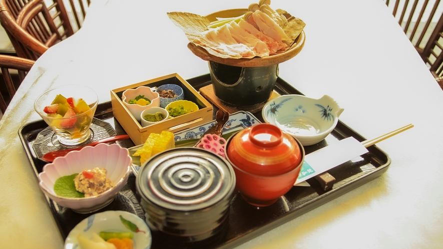 【猪の陶板焼き】昼食メニュー