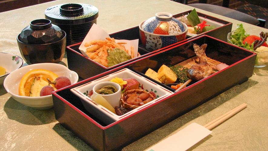 【雪月花】昼食メニュー