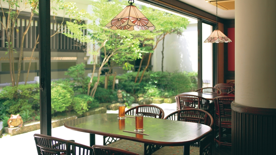 【お食事処 はいから亭】 大正の趣がゆとりの空間を創り出すクラシカルなレストラン