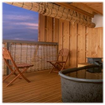 晴れた日の夕日は格別…海の見える露天風呂付き和室