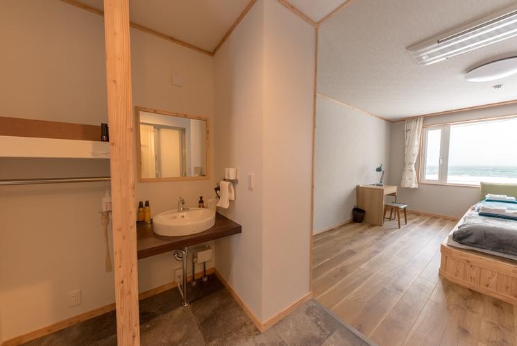 広々ツインベッドルーム1F洗面所