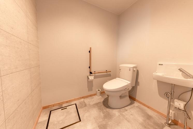 フォースルーム1Fトイレ