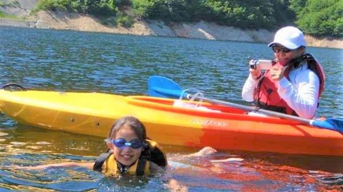 【静寂の世界へ小さな冒険・水面からの風景に感動】初心者でも安心♪カヌー半日プラン(4歳〜OK♪)
