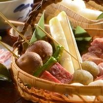 【炭火山里料理】当館名物炭火料理!山の幸がたっぷり!