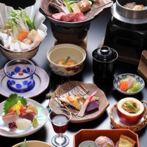 【山里会席料理】料理長自慢の会席料理。旬の味覚をお出しします。
