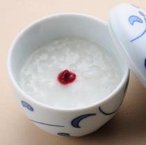 【朝食メニュー】人気の「温泉粥」