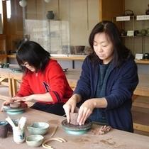 【月夜野びーどろパーク】月夜野焼の陶芸体験付きプランも好評発売中。