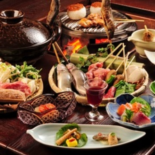 【炭火山里料理】当館名物炭火料理!この料理が人気の秘密♪好評の炭火料理をご堪能ください。