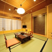 【モダンな造りの南竜館10畳】利根川のせせらぎが心地よいモダンな雰囲気の和室です。