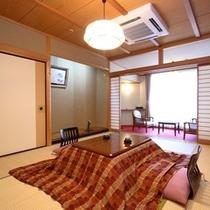 【登竜館10畳】利根川のせせらぎ聞く 女性に人気の純和室。冬はコタツとなります。