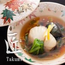 【匠膳:温物 地魚煮附け】四季折々の旬菜と地魚炊合せ。富山の海と山の幸の旬を味わうひと品です。