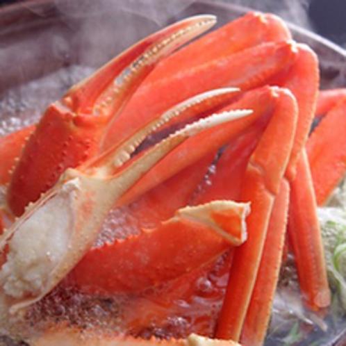 【活蟹づくし】黒部野菜と絶妙な取り合わせの蟹すきは特製ポン酢でお召し上がり下さい。