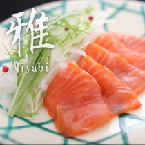 【雅膳:焜炉 地鱒のしゃぶしゃぶ ポン酢】脂の乗った富山名物の鱒を延楽特性ポン酢でさっぱりと食す。