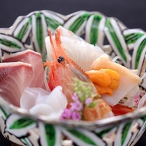 【冬の美味】冬の富山湾で獲れる地魚を中心とした旬のお造りをお愉しみください。