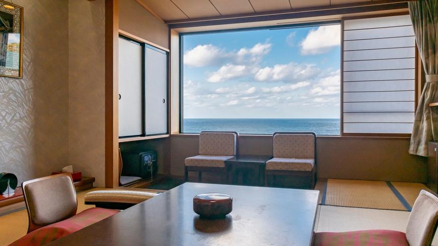 和室10畳タイプ客室の一例