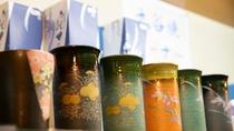 能登のお土産に、売店には様々なお品を取り揃えております。