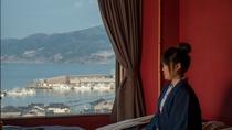 窓からは雄大な日本海を一望。