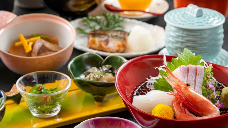 新鮮な海の幸は日本海ならでは。北陸へ来たなら、豊富な海の幸をぜひたっぷりとお楽しみください。