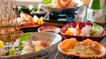 香り高い蟹味噌を甲羅焼きで味わう。蟹料理で最も人気の高い一品。