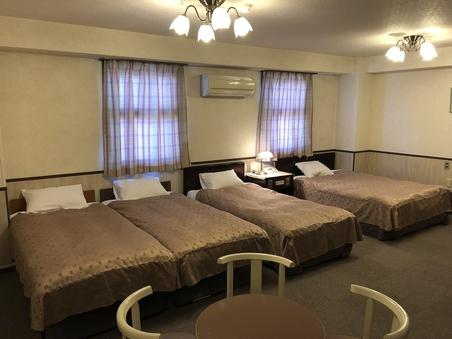 【フォーベッド禁煙】ベッド4〜5台で利用可 添い寝の幼児無料