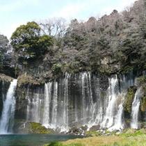■白糸の滝(お車で40分)