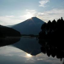 ■田貫湖(お車で40分) ダイアモンド富士撮影スポットで有名
