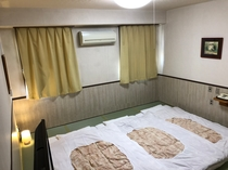 ●和室8畳禁煙室