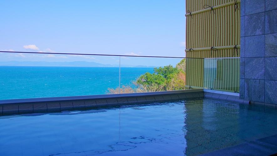 露天風呂朝の海景色