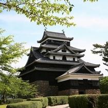 国宝「松江城」 当館より車で約20分