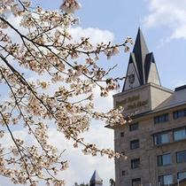 【外観】春の外観写真