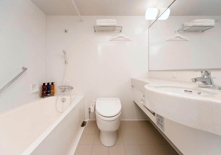 デラックスツイン・トリプル バスルーム 1,600mm×2,000mm