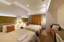 スタンダードツインルーム 19.4平米/シモンズ社製セミダブルサイズベッド、幅120cm