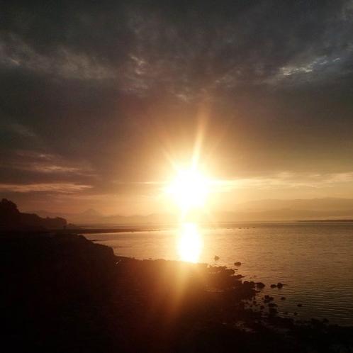 松錦館からの朝日