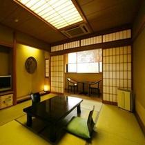 【客室】和室10畳 バス・トイレ・広縁付